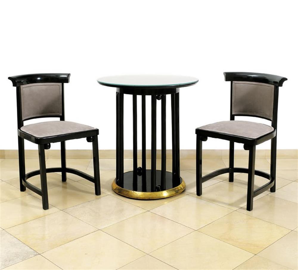 Zwei Sessel mit Tisch von Jacob & Josef Kohn Wien